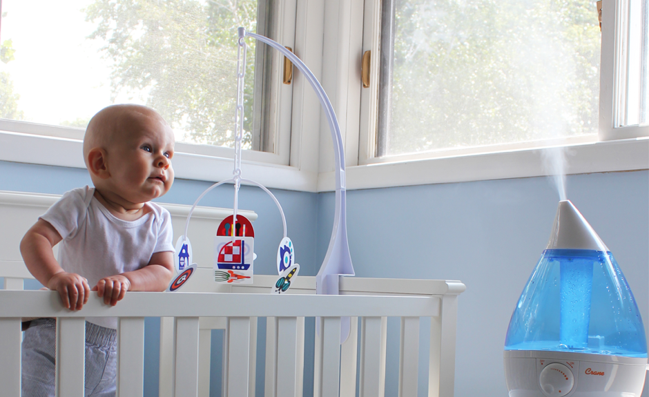 cure infant starring at the best humidifier for baby cough